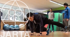 海外トップチームの選手に日本式トレーニングを伝える(動画あり)