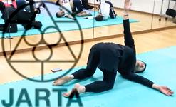 背骨を動きながら緩めるトレーニング