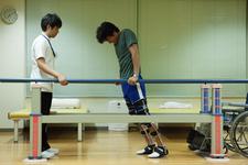 """【映画「栞」】頸髄損傷患者を演じる為に脚の筋肉を落とした-""""時を演じる役者に驚愕""""-"""