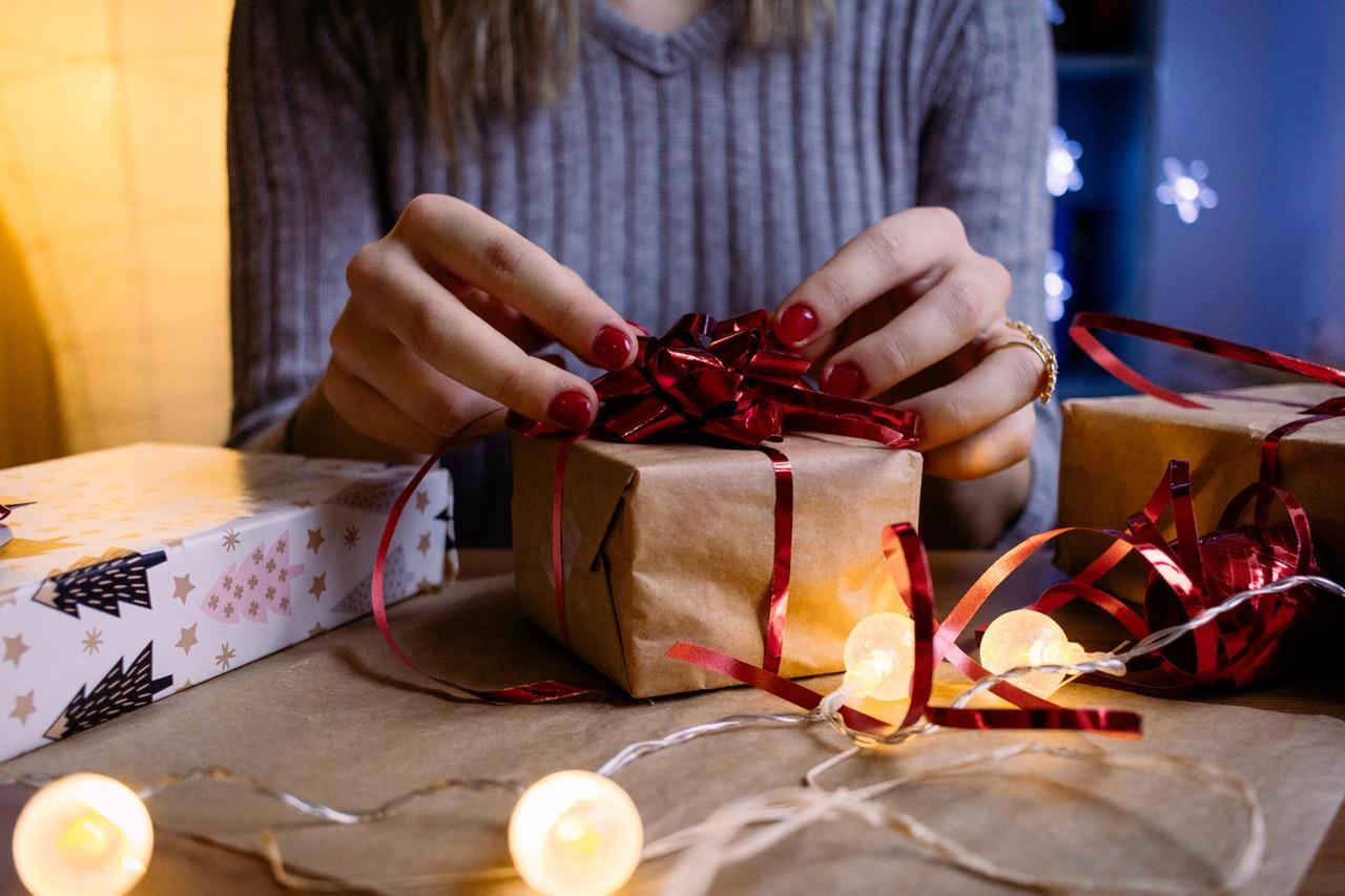 プレゼントを開ける