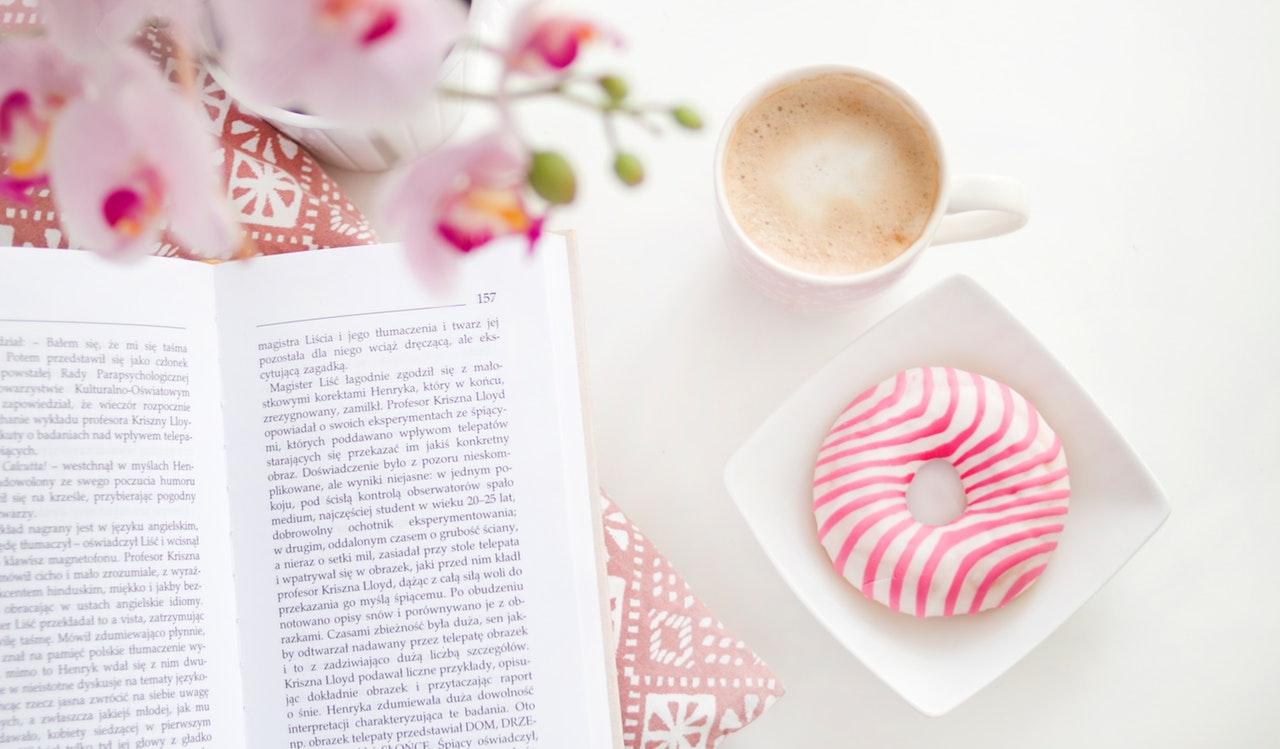 ドーナツと本