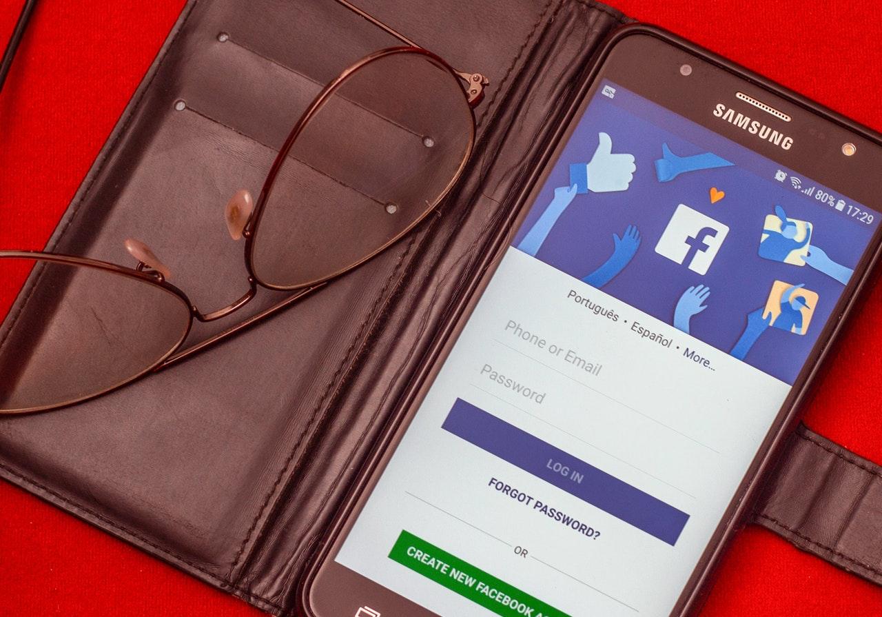 スマートフォンのFacebook