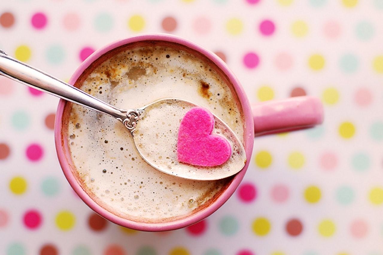 コーヒーカップの中にハート