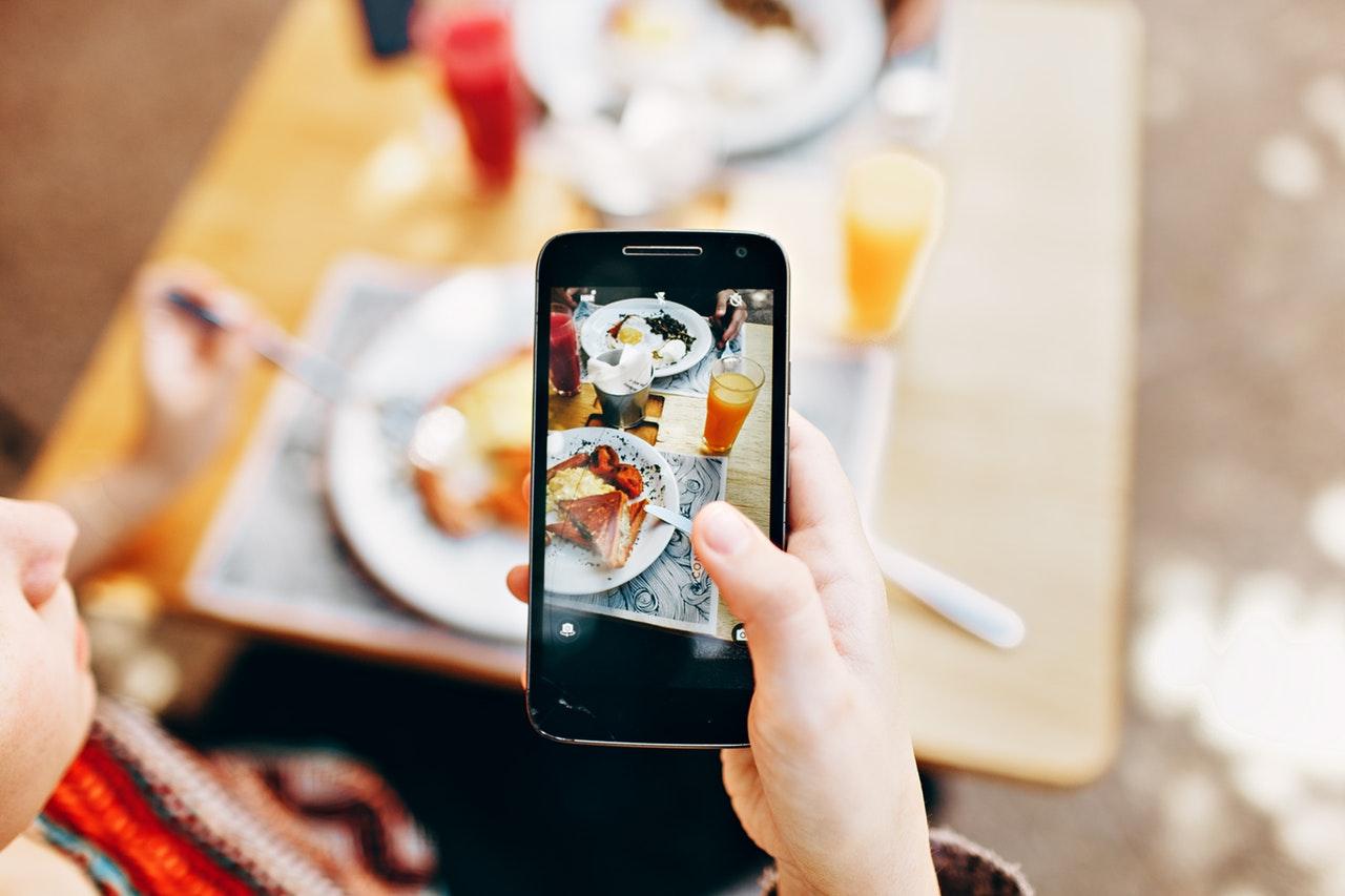 食事と写真