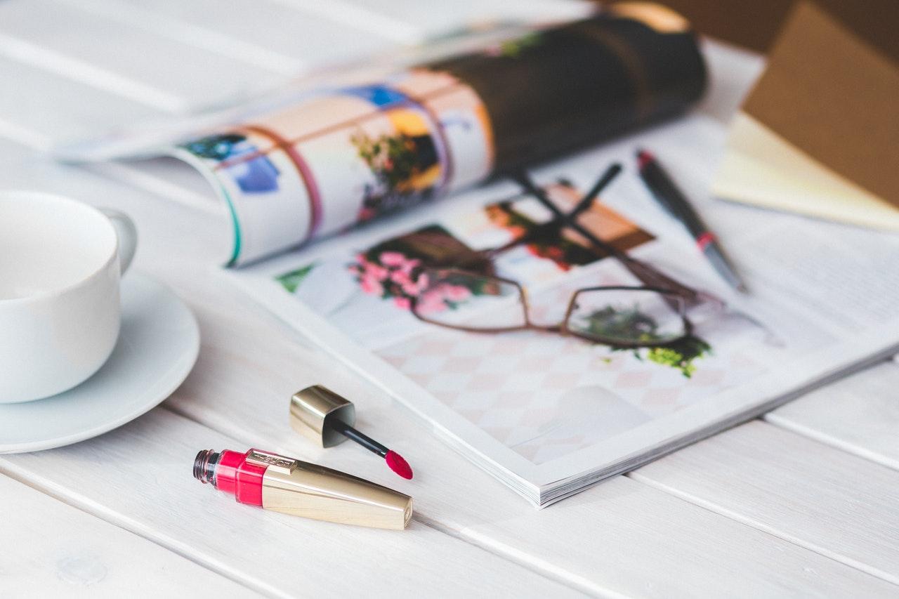 口紅と雑誌