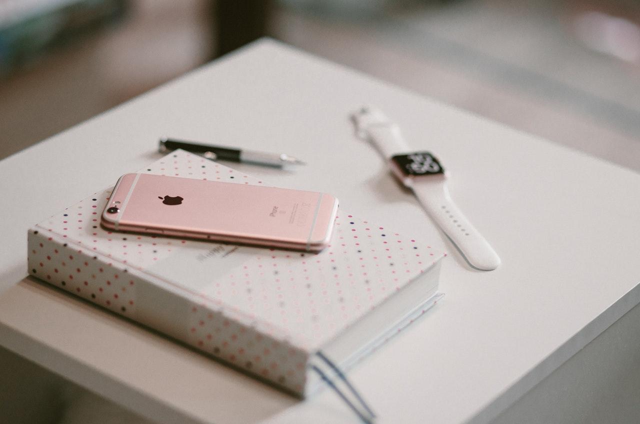 スマートフォンと手帳