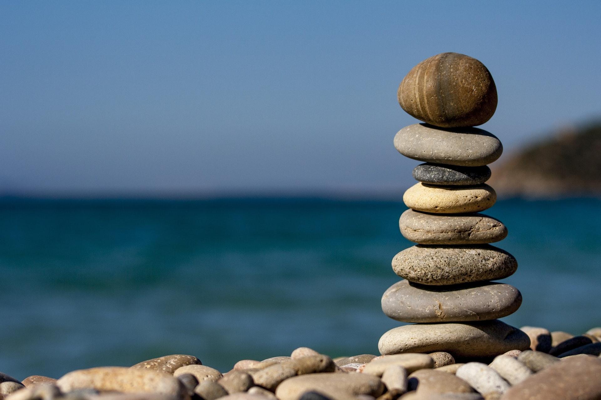 バランスよく重ねられた石