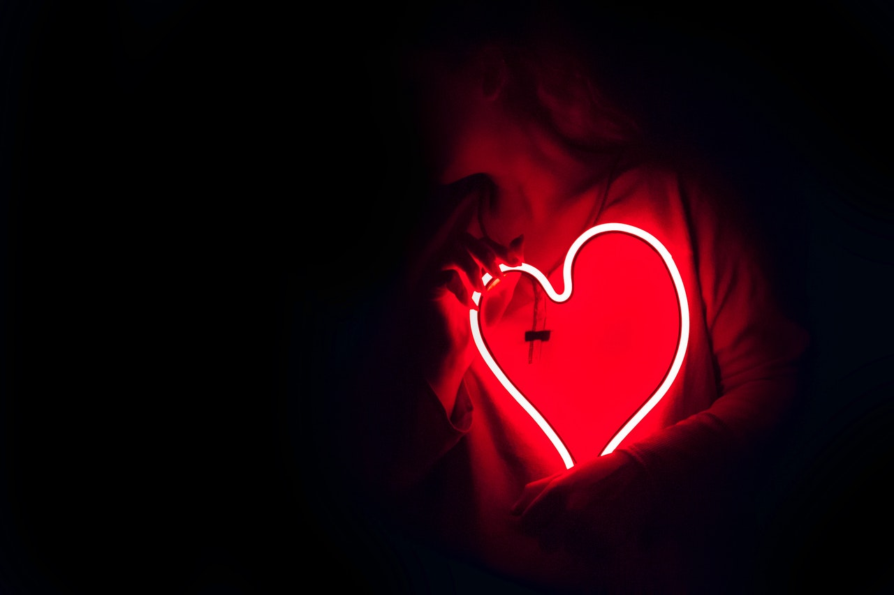 赤いハートのライト