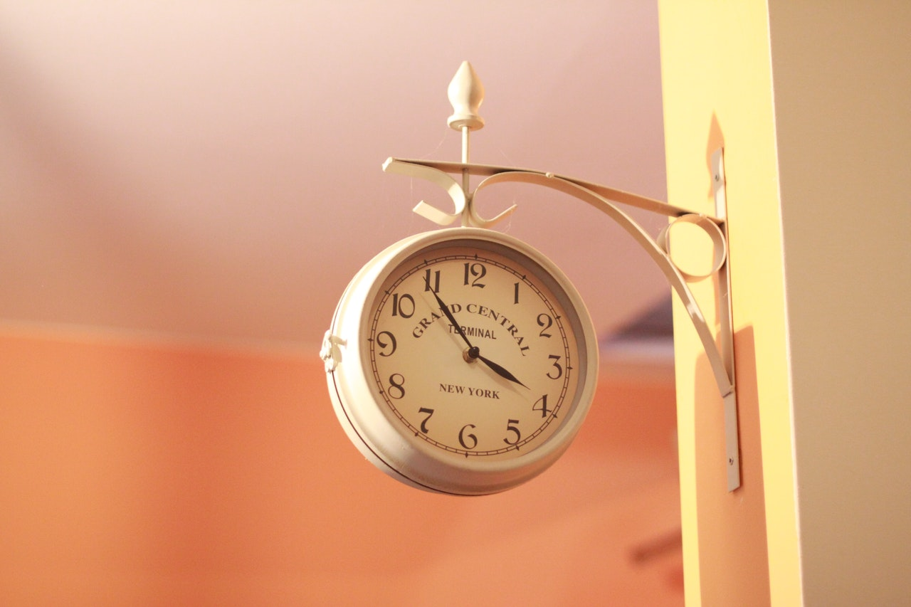 夕暮れの時計