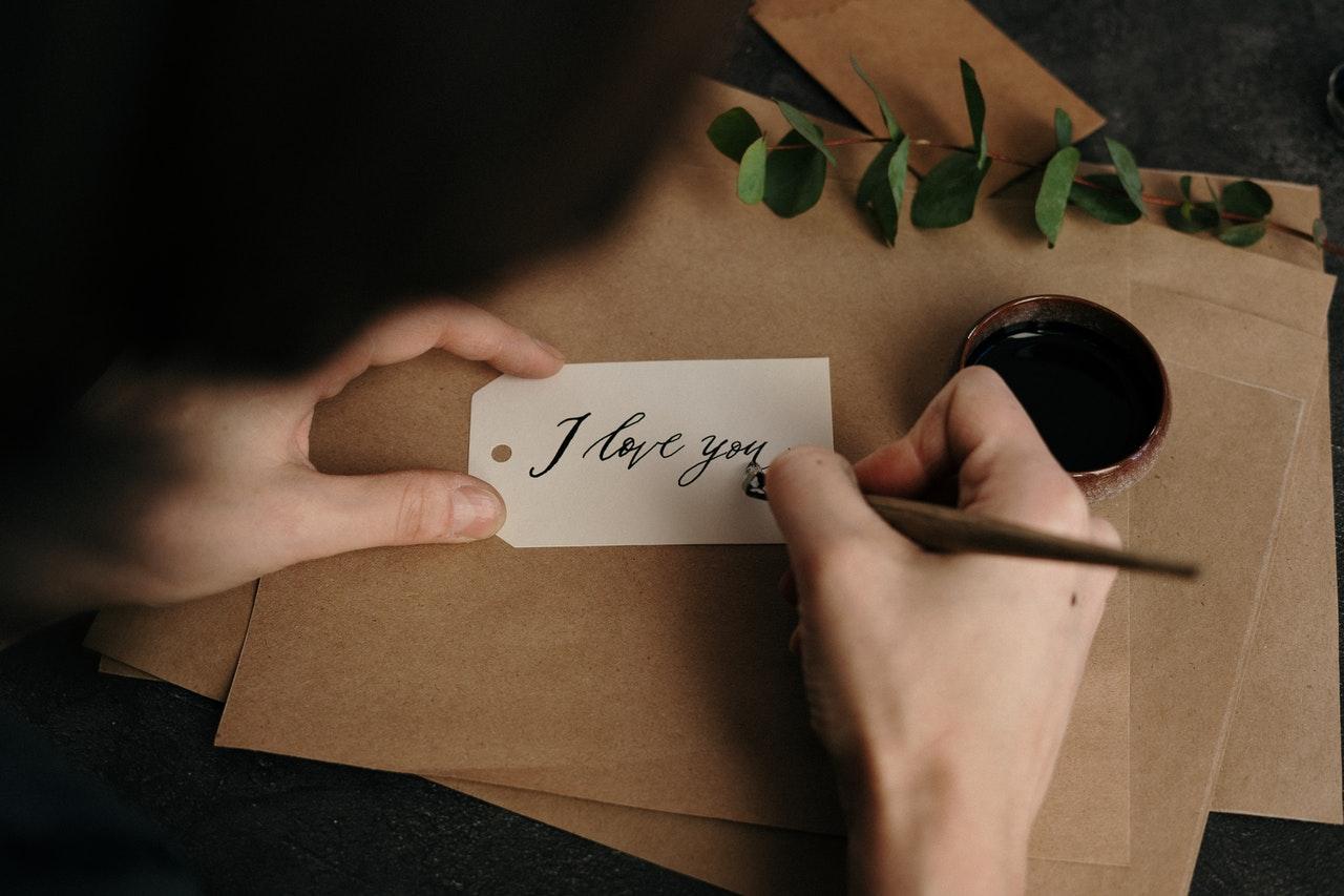 手書きのアイラブユー