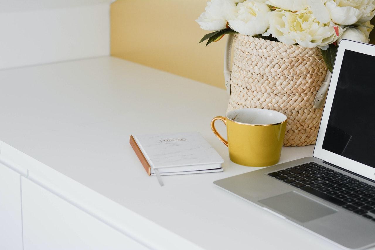 ノートパソコンとノート