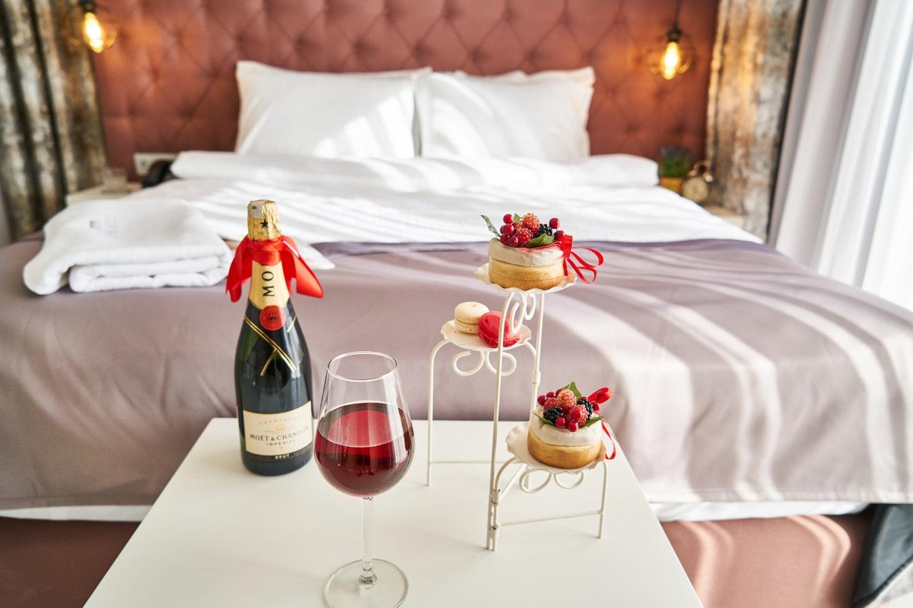 ベッドとワイン