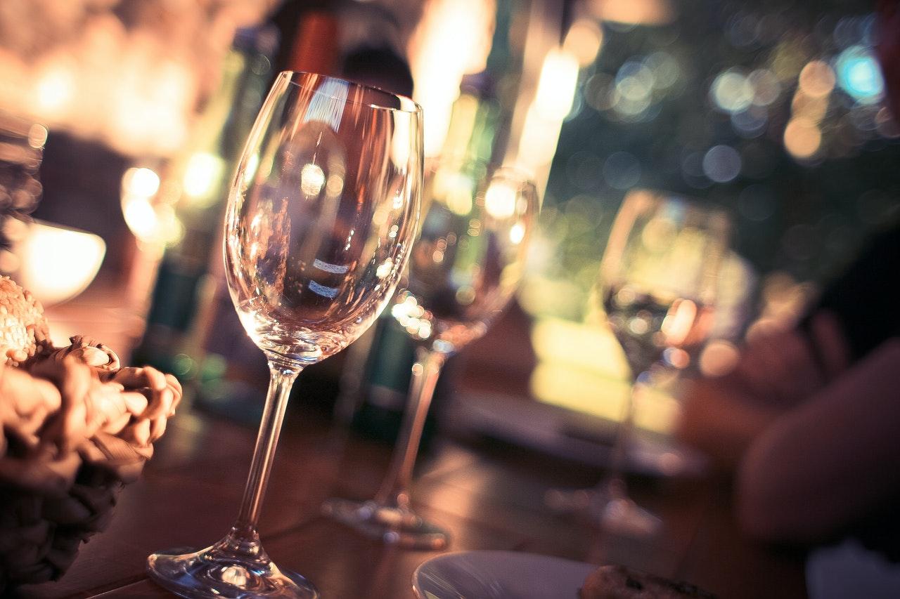 複数のワイングラス