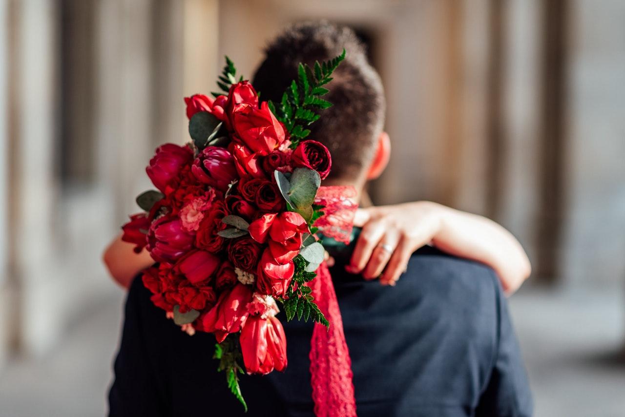 バラの花と恋人