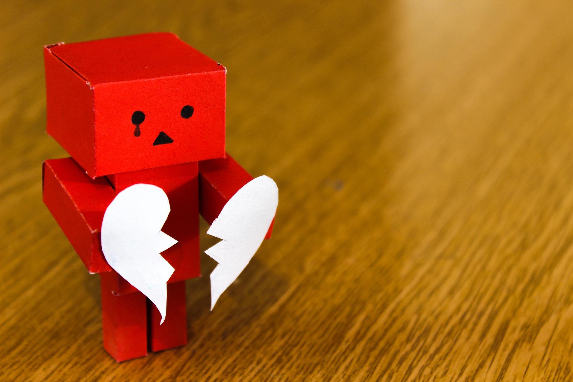 泣いているロボット