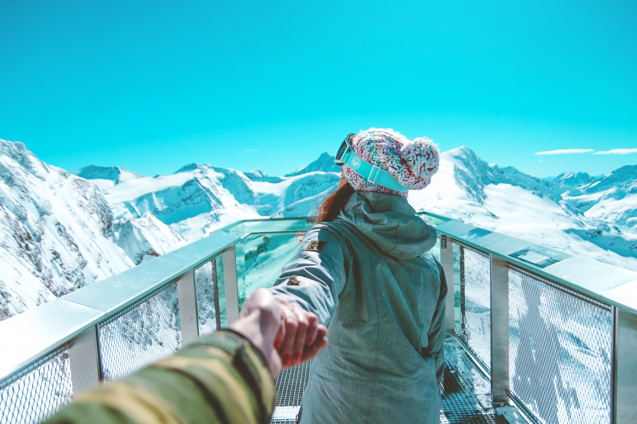 スキー場のカップル