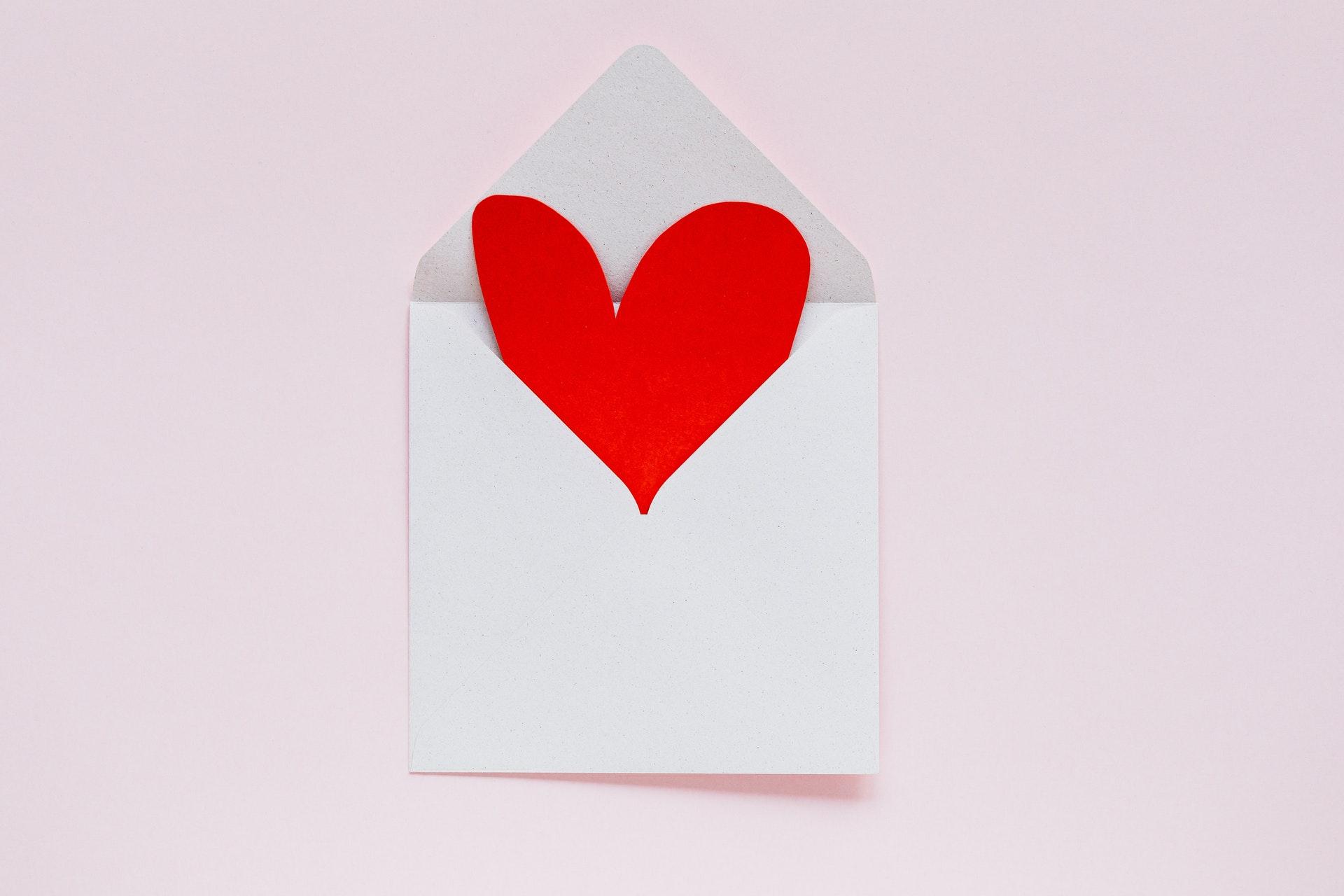 ハートの紙と封筒