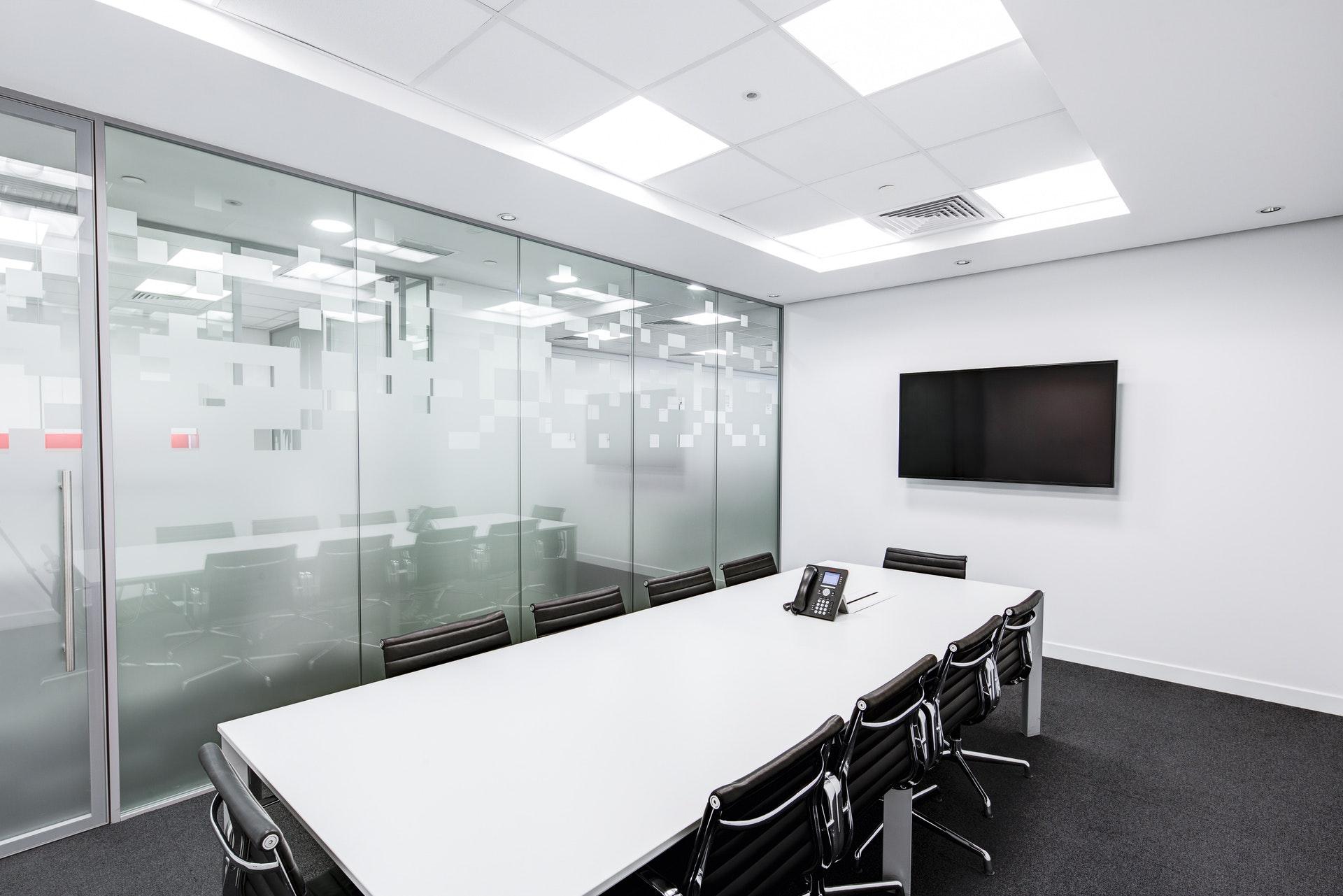 会社のミーティングルーム