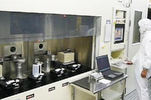 光通信用半導体生産技術者(ウェハプロセス)