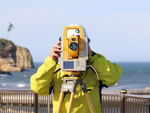 精度の高い最新技術で支える2D・3D現場測量