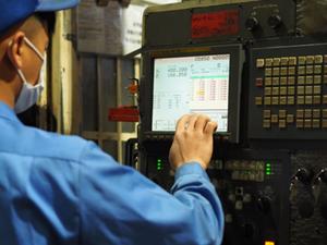 油圧シリンダーの異形部品加工の検査・品質管理