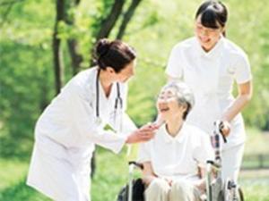 「地域包括ケアシステム」で医療と介護を支えるシステム開発職