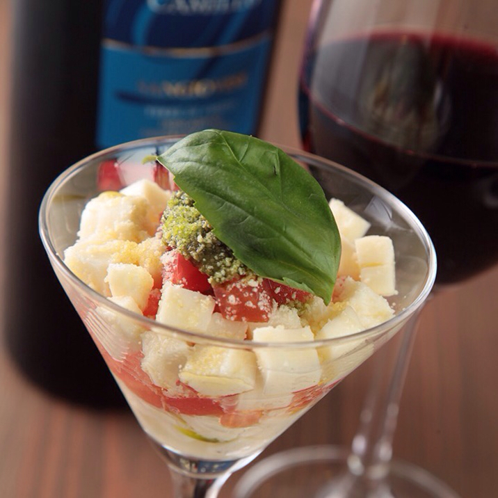 Of cocktail glass Caprese
