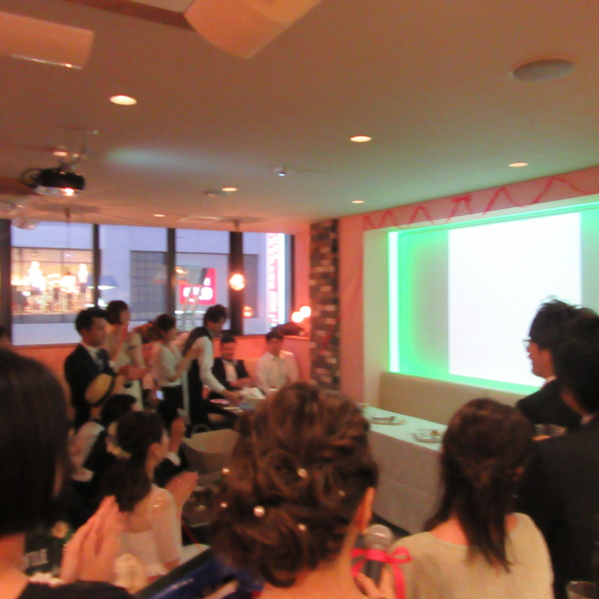 Ultra-large 110 inches projector and audio equipment is also popular to free lending! Surprise directing ♪