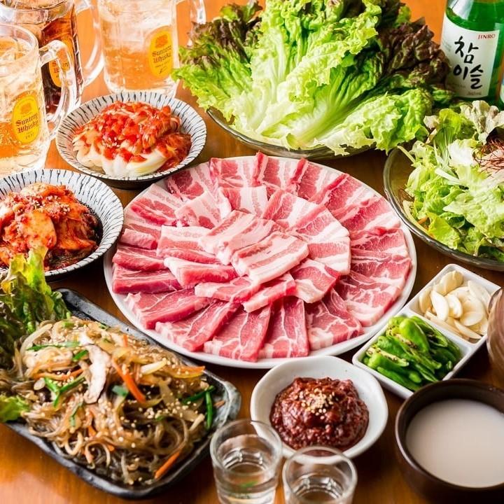 昼から焼肉で盛りあがる!上野なら昼も楽しめる大将ホルモンへ!