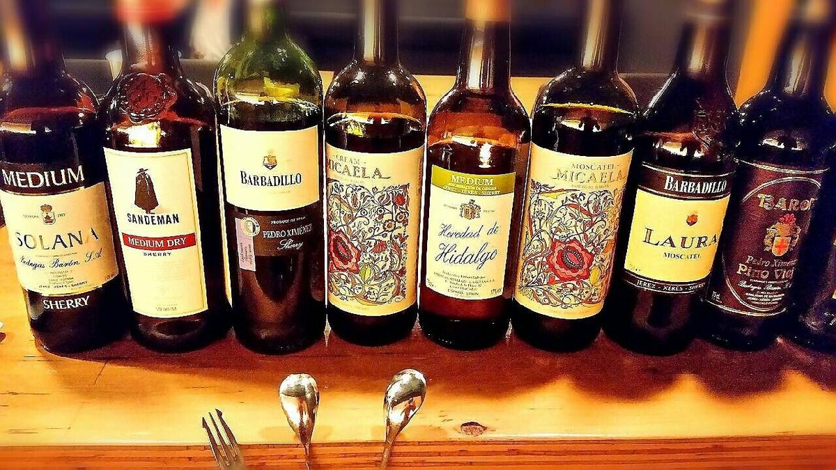 気軽にスペインワインとシェリー酒、スパニッシュカクテルが楽しめるお店。スペイン各地方の土着品種ボトルワインも豊富に取り揃えており、ビギナーから通まで楽しめます!!