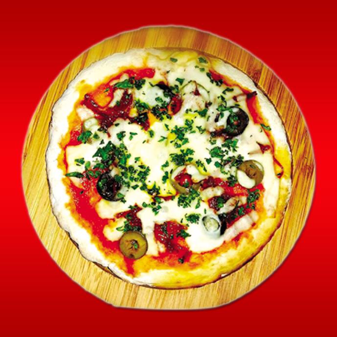 チョリソとオリーブ チーズのピザ