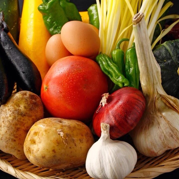 用美味無農藥蔬菜的任何菜餚從家裡送了岡山