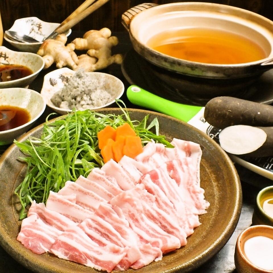 Pig shabu-shabu using the Ibaraki Prefecture Rose pork and black radish