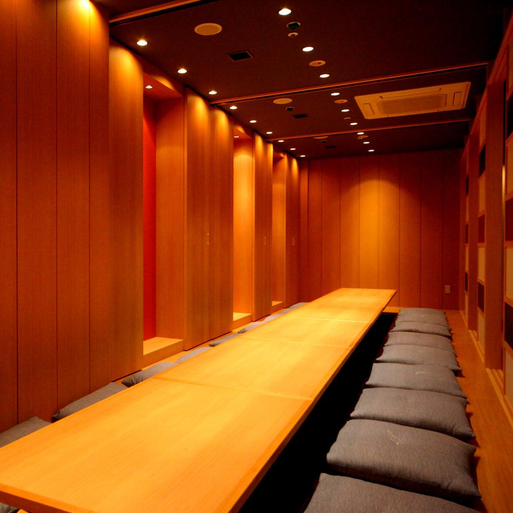くつろぎの掘りごたつ個室で北海道の海の幸を堪能