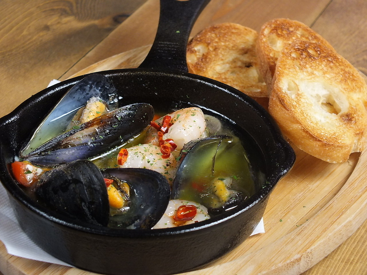 海鲜和蘑菇Ahijo(斗)