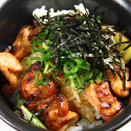 つくね丼/とりのすけ丼/スタミナ丼/皮丼/韓国風とり丼/とりマヨ丼/塩だれ豚トロ丼/とりおろし丼