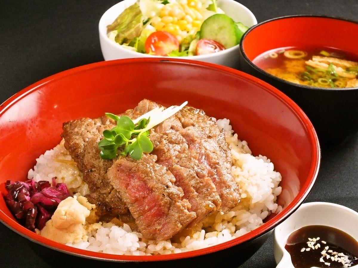 熱門★!!午餐牛排大碗¥432〜
