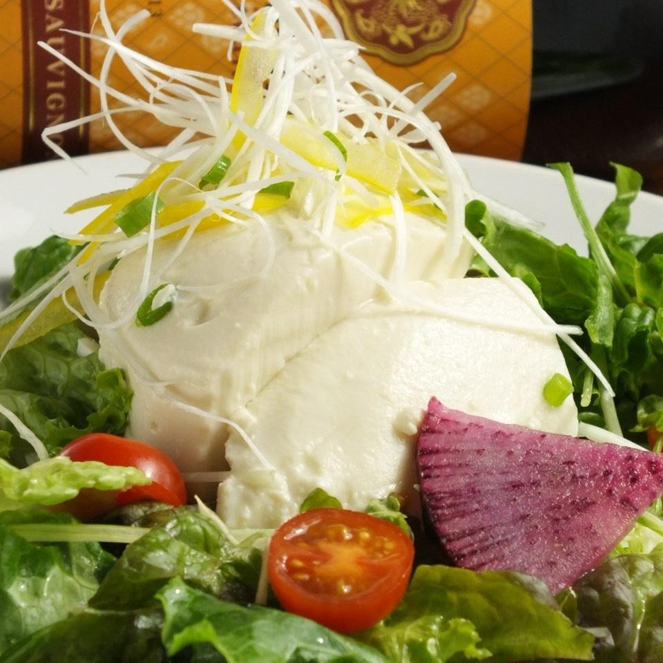 とろ豆腐とミックスグリーン野菜のゴマサラダ(大/小)【りんとりコースに入ってます】