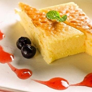 スフレチーズケーキ バニラアイス添え