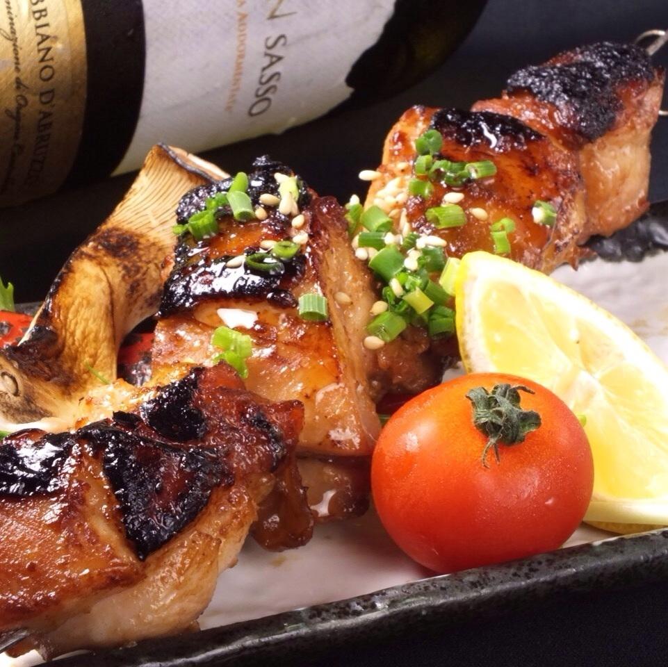 種鶏地鶏の赤味噌漬け串焼き