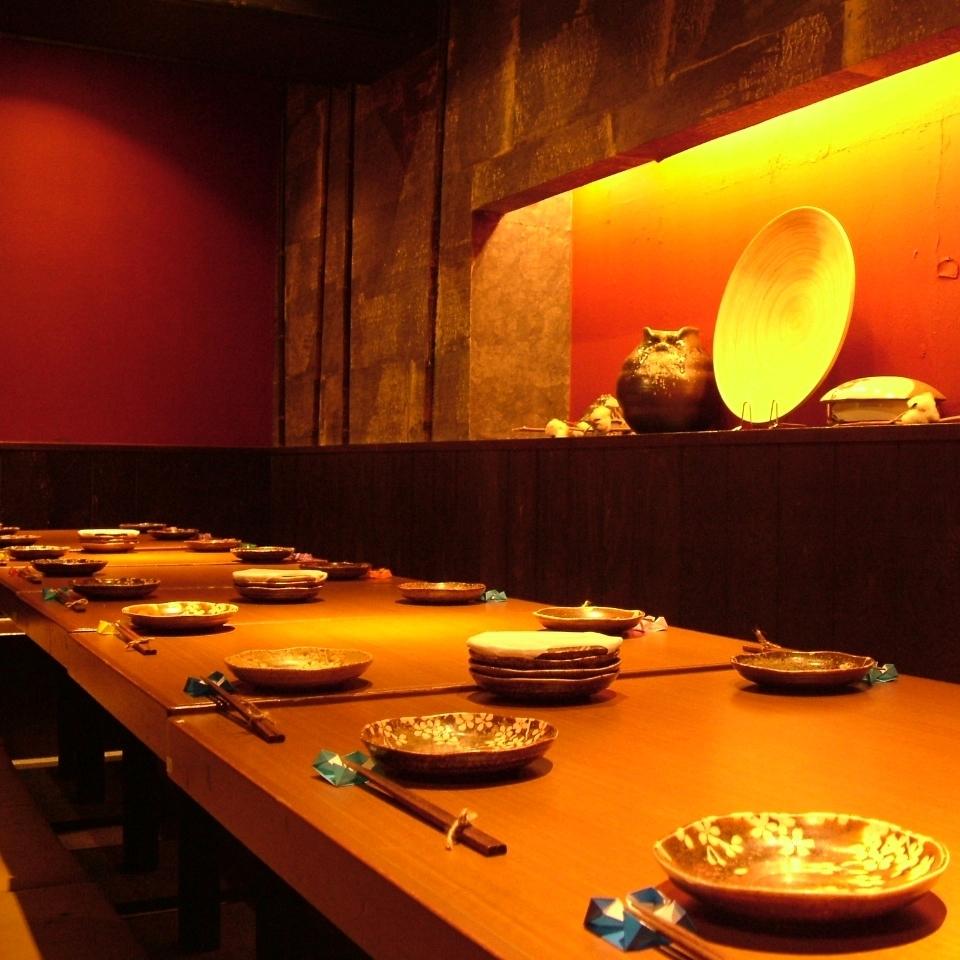 20名以上用のお座敷は大人の雰囲気漂う空間に。『和』の趣があり、大事な宴会にもピッタリ!