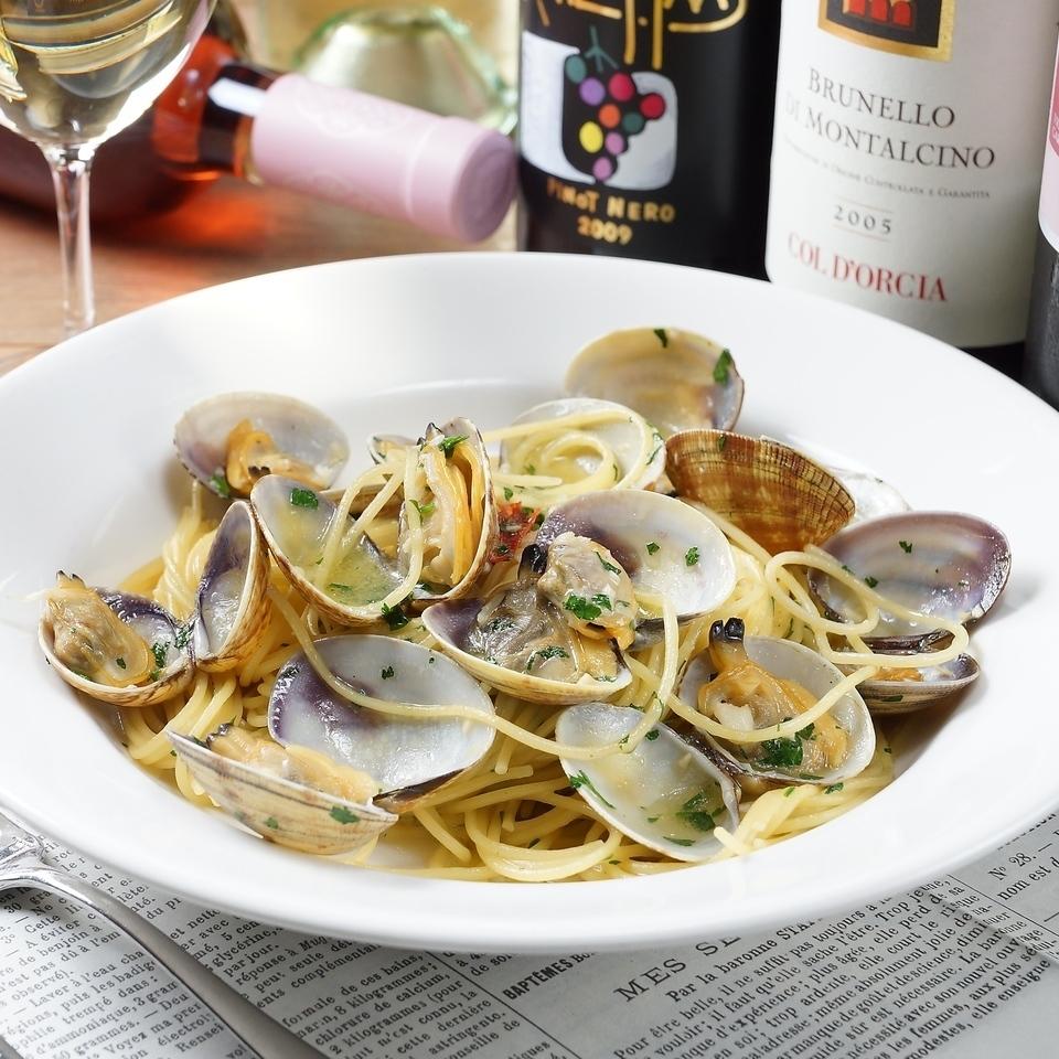 スパゲッティ ボンゴレビアンコ ~大粒あさりの白ワイン風味 ナポリスタイルで~