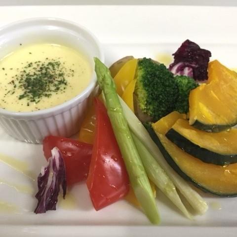 緑黄色野菜の温野菜 ~チェダーチーズソース~