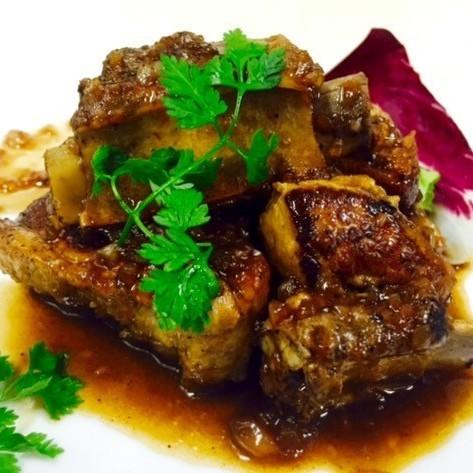 国産豚スペアリブの煮込み ~バルサミコソース~