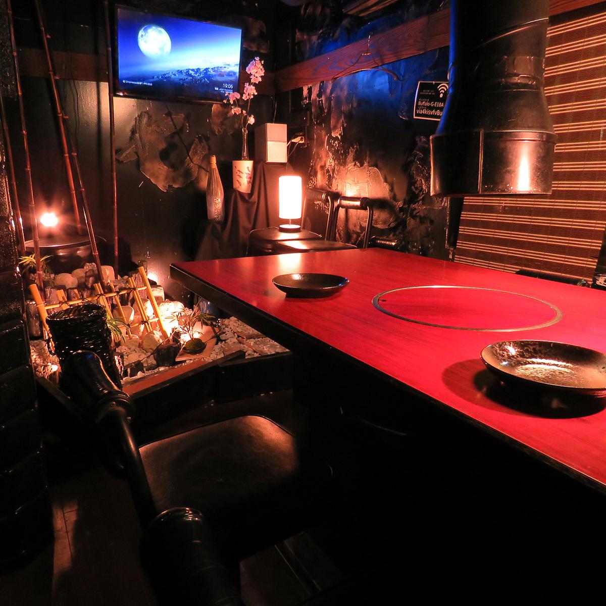 最大7名様まで収容可能な個室も完備。プライベートな空間で七輪焼きをお楽しみください!