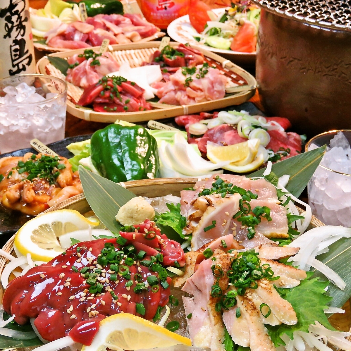 [Chicken and beef grilled course] 5000 yen → 4000 yen with a 2-hour all-you-can-drink (excluding tax) chicken liver sashimi / cow hormone / beef tongue ... 14 dishes