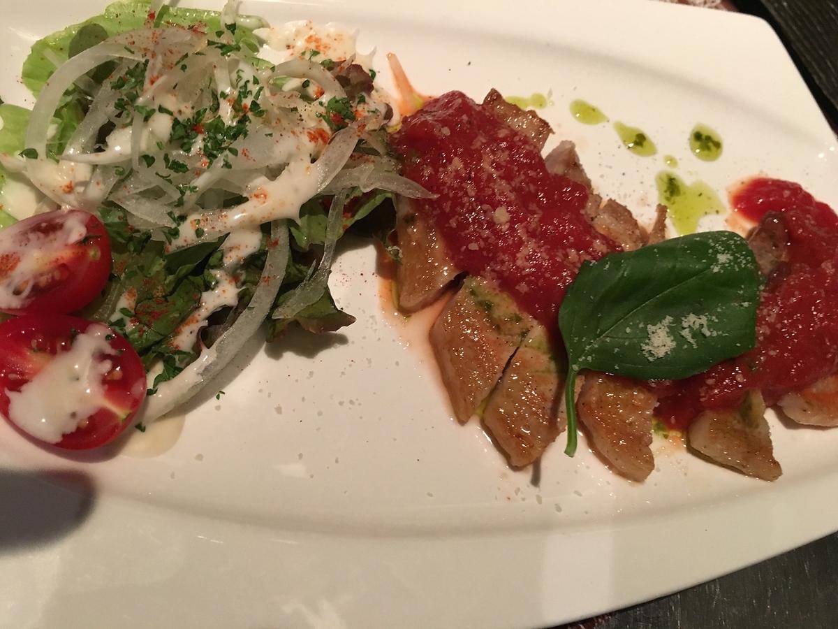 【ko-unの肉!】つくば豚のロースステーキ トマト&バジルソースで