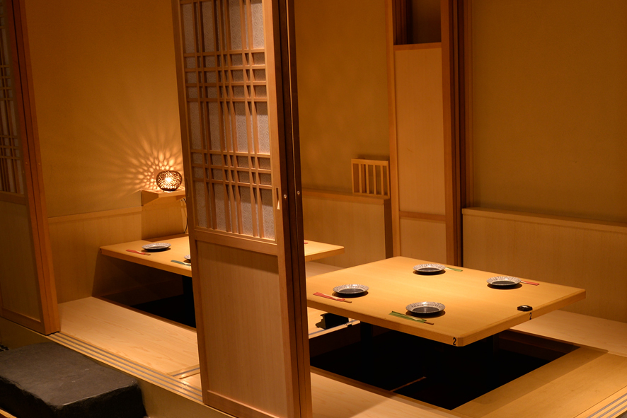 [Small rise private room] full private room there is comfort if Shimere the shoji.Recommended for drinking and entertainment.