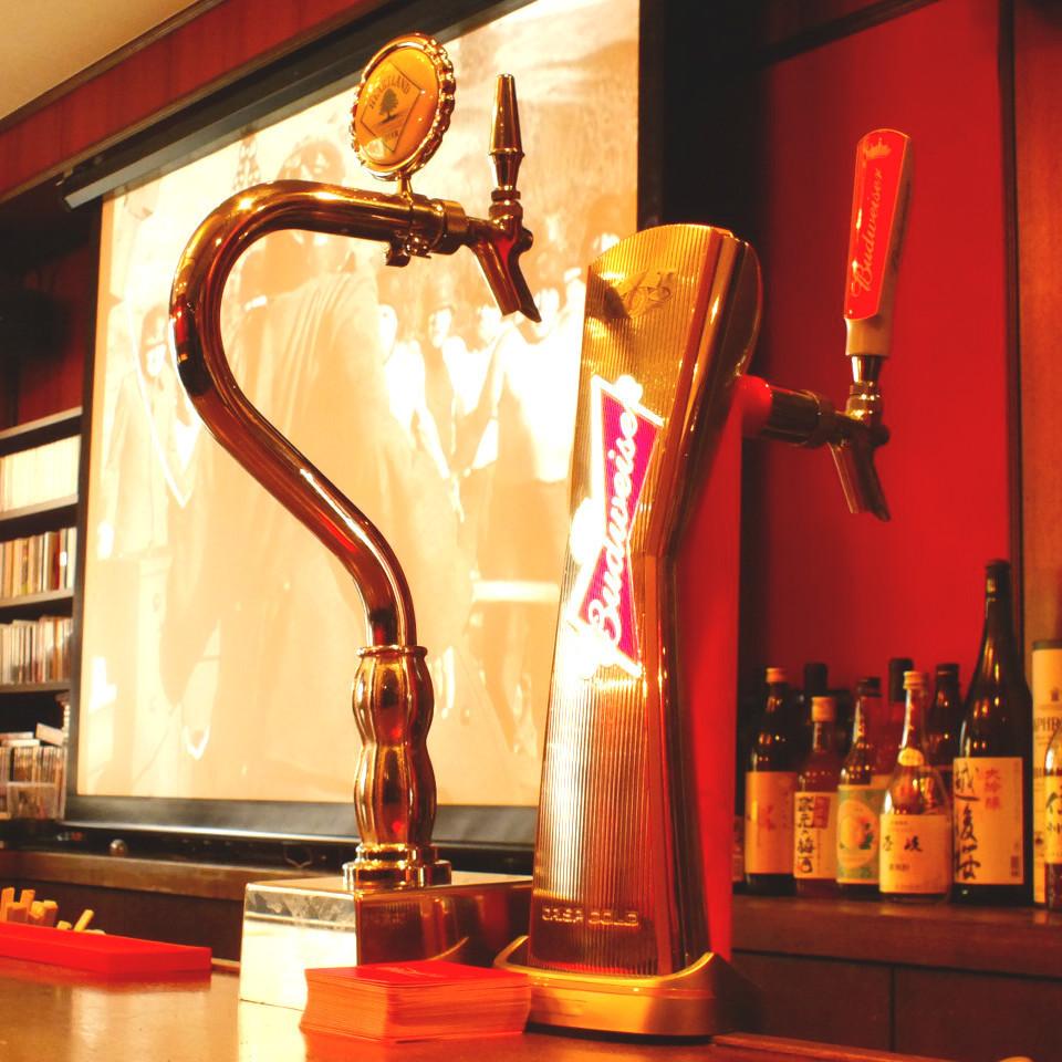 【ワロス生BEERは2種類!】当店の生ビールは変なクセもなくビールが初めての方も通の方でも楽しんでいただけるようバドワイザー&ハートランドの2種類!ビール片手にJazz を聴きながらゆったりと大人時間…♪