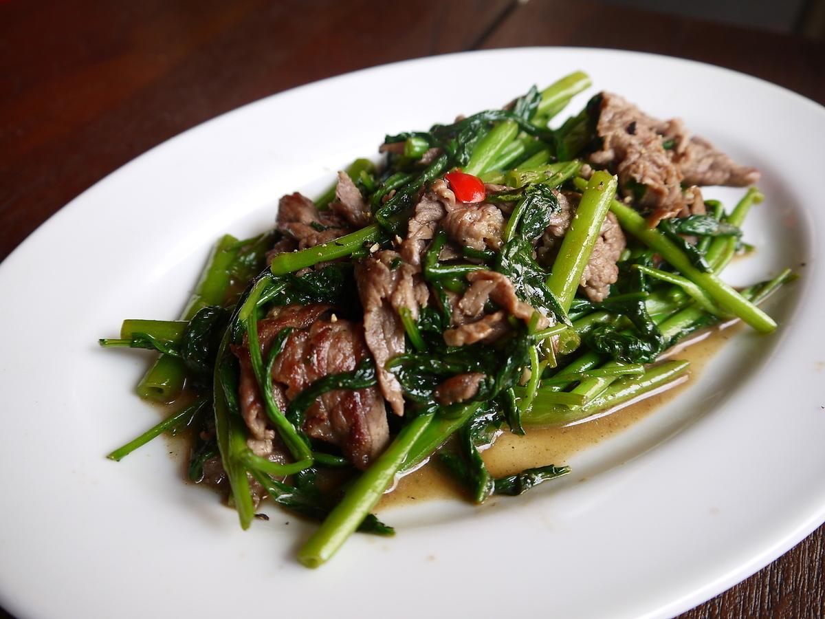 牛肉和Sorashin'na的蚝煎